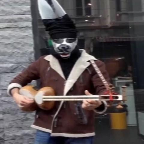 مهرداد خلقی احمق | دانلود موزیک ویدئو مهرداد خلقی به نام احمق